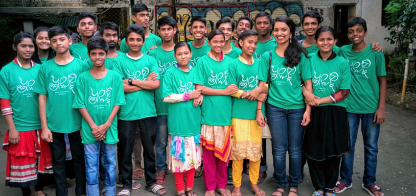 The author, Farita Tasnim '19 (fourth from right) with students in her summer Youth Electronics Program in Bangladesh.