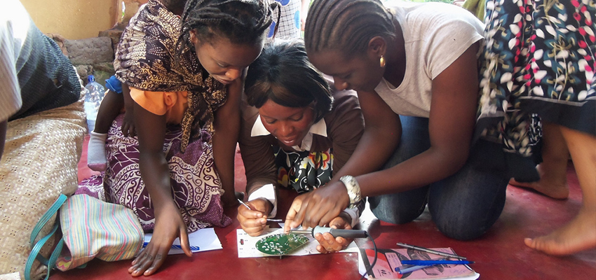 D-Lab student-led radio-building workshop, Zambia.