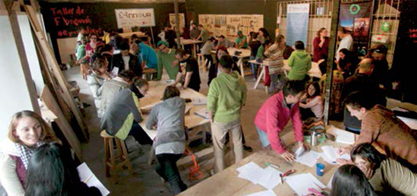 C-Innova's makerspace in Bogotá hosts workshops, classes, and meetings. Credit: C-Innova Team