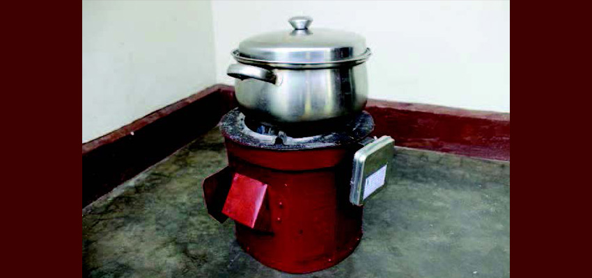 A Sensen SUM installed on a Makaa stove.