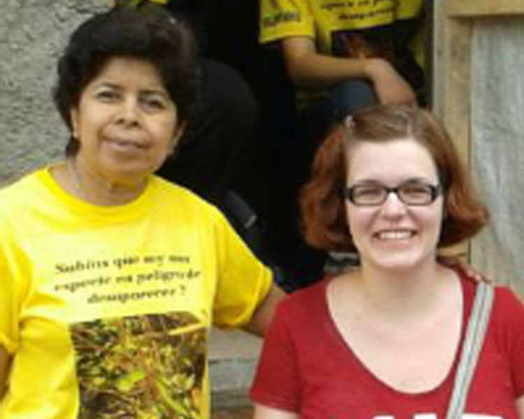 ASAPROSAR's Martiza Rodriguez (left) with D-Lab's Libby Hsu (right) in Santa Ana, El Salvador.