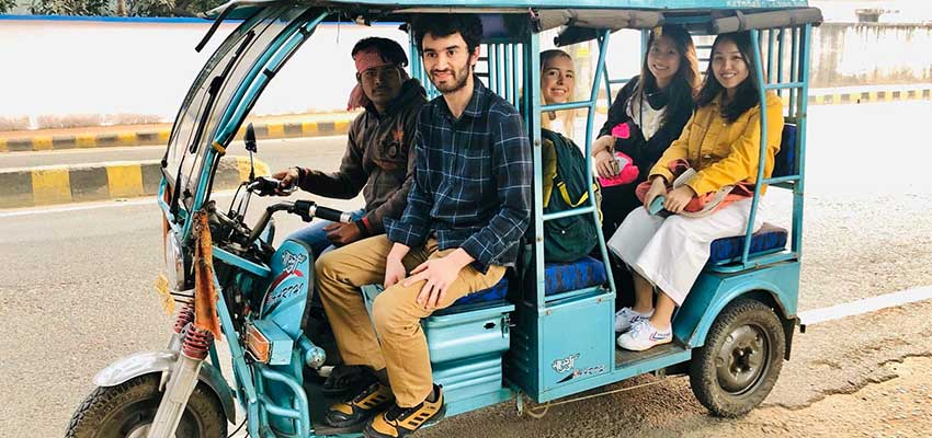 We tried rickshaw for the first time.