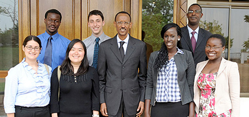 President Kagame with the MIT students after their meeting at Village Urugwiro, yesterday. From left to right: Marisa Simmons, Jonathan Kola, Wunmin Wong, Daniel Bulmash, President Paul Kagame, Faith Keza and Nseabasi Umoh. (Photo Village Urugwiro)