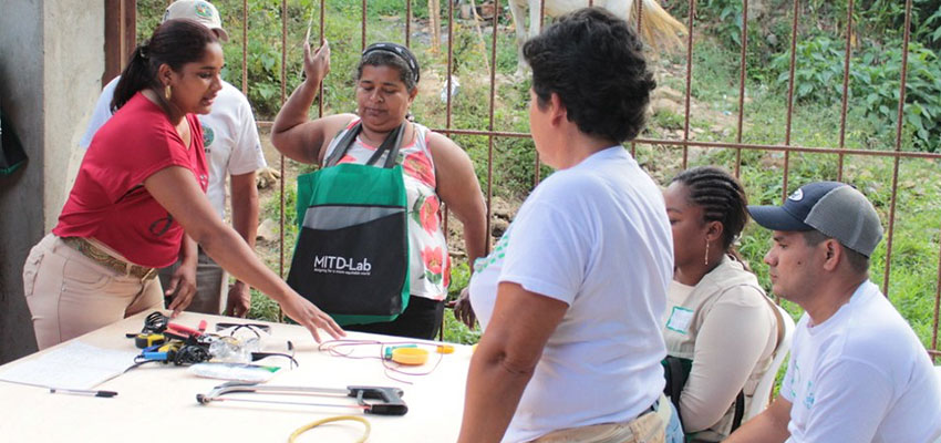 D-Lab Creative Capacity Building Training of Trainers in Santa Rita, Colombia (January 2020). Photo: Sher Vogel